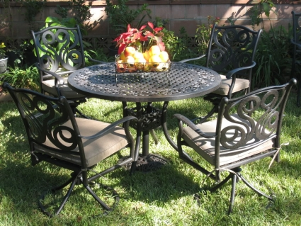 5pc Cast Aluminum Outdoor Patio Furniture Dining Set With 4 Swivel Chairs