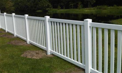 100 Ft Complete Solid Pvc Vinyl Closed Top Picket Fencing